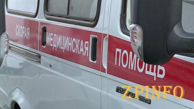 В Запорожье водитель влетел в пешехода на тротуаре