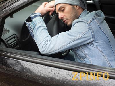 В Запорожье вор уснул в машине