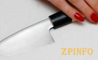 В Запорожье женщина вонзила нож в спину мужа