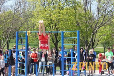 В Запорожской «Дубовке» открывают новую спортплощадку