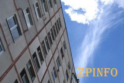 В Запорожской области человек выпал из окна