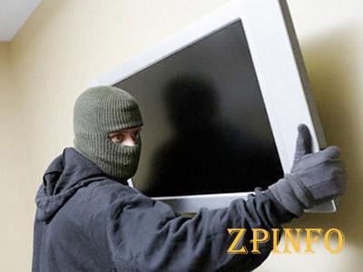 В Запорожской области из дома вынесли телевизор
