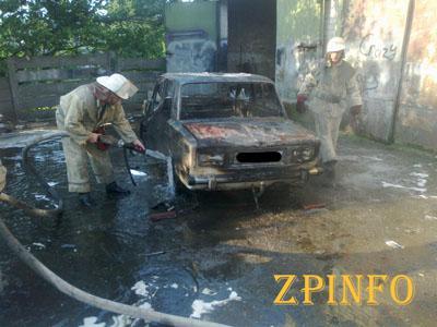 В Запорожской области сгорела легковушка