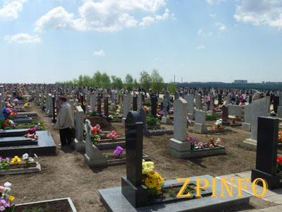 В Запорожской области установят надгробки на могилах неизвестных участников АТО