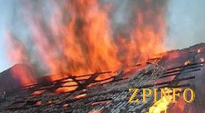 В Запорожской области загорелась крыша жилого дома