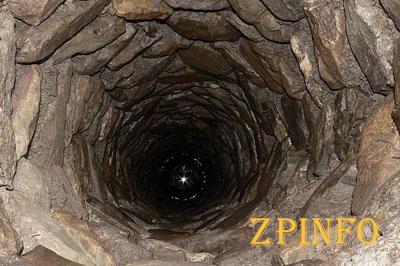 В Запорожской области женщина всю ночь провела в 10-метровом колодце