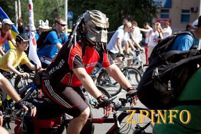 Велосипедисты Запорожья требуют внимания от городских властей (Видео)