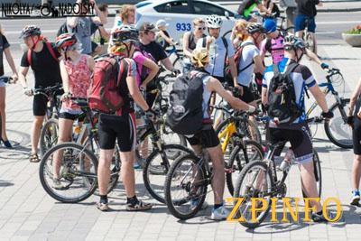 Запорожье заполонили велосипедисты