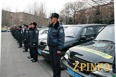 Запорожские милиционеры за одно в украинским народом