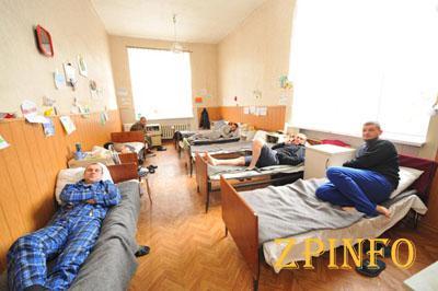 Запорожские выпускники отказались от праздника ради военных