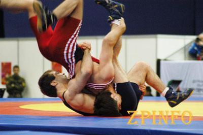 Запорожский борец-юниор взял бронзу на всеукраинском турнире