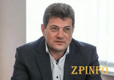 Запорожский мэр ушел в неоплачиваемый отпуск