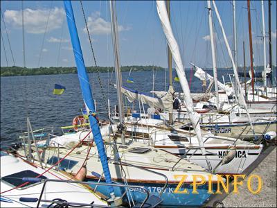 Запорожский яхт-клуб открывает новый сезон