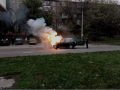 В Запорожье посреди дороги вспыхнула машина
