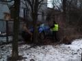 В Запорожье водитель легковушки врезался в дерево